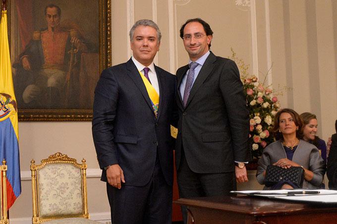 José Manuel Restrepo NUEVO MINISTRO DE HACIENDA